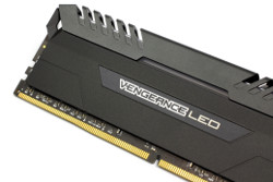 Corsair Vengeance LED DDR4 32GB 5t