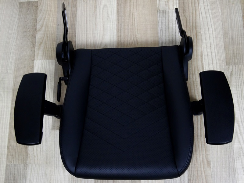 Noble Chairs Icon Black 01