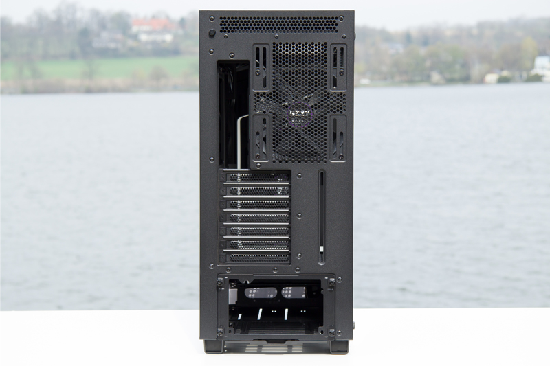 NZXT H700i 17