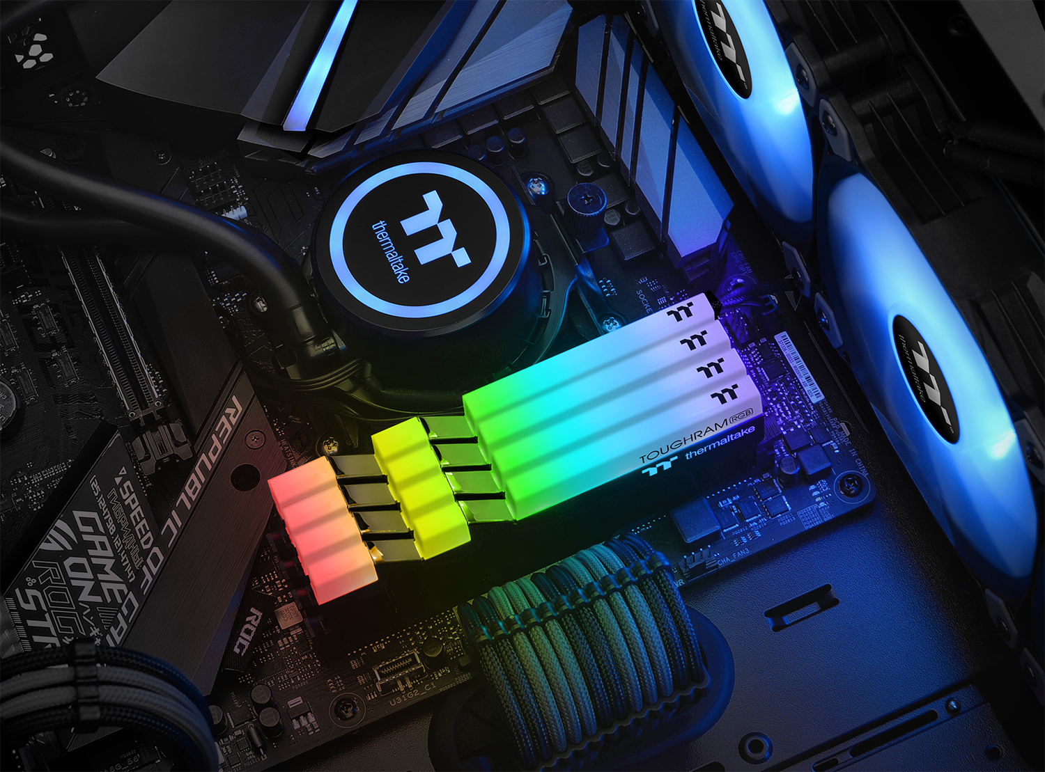 Thermaltake TOUGHRAM RGB DDR4 Memory 5