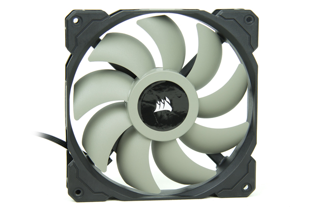 Corsair Carbide 678C 18