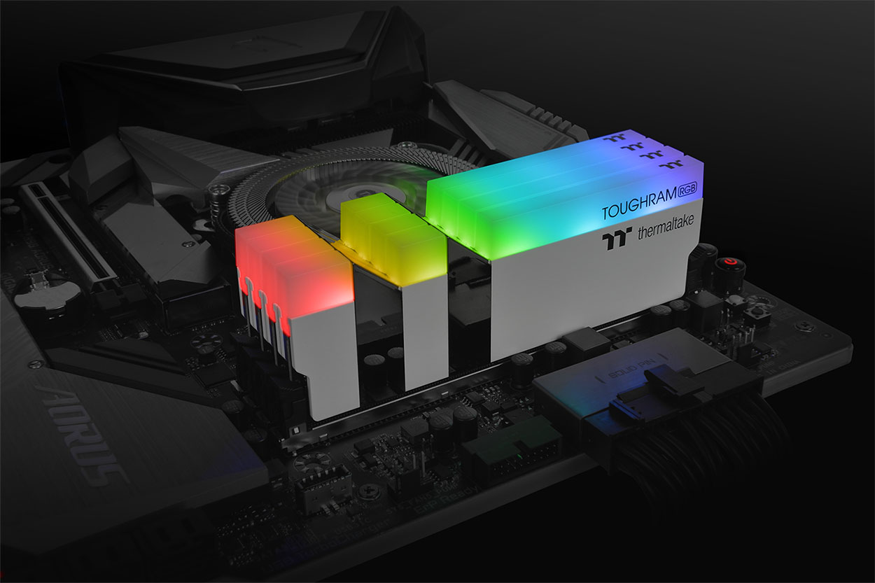 TOUGHRAM RGB 4600MHz 16GB 2x8GB Memory White Application