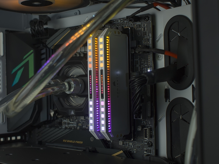 Corsair Dominator Platinum RGB White DDR4 3600 16GB 16k